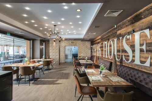 Paralia - a-la-carte restaurant