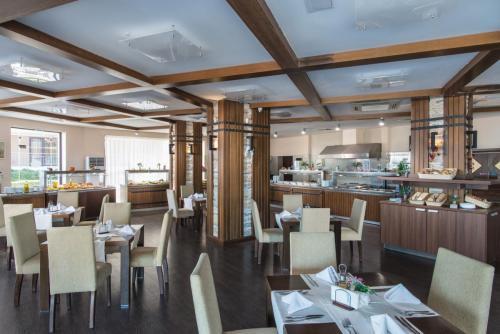 Castello buffet restaurant
